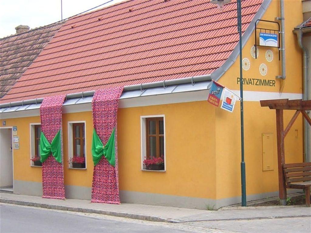 Siebenschlaeferhaus  mit Hauskleid