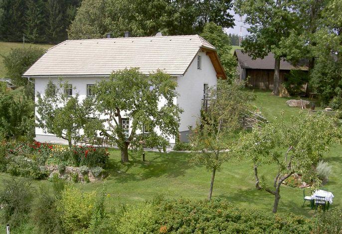 Gemütliches Wohnen im urig-modernen Landhaus im Mühlviertler Steinbloßstil.