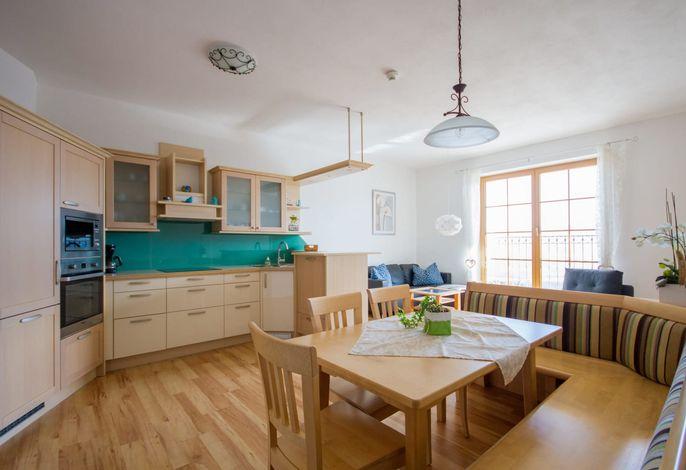 Ferienwohnung Prielblick - Küche und ESsbereich