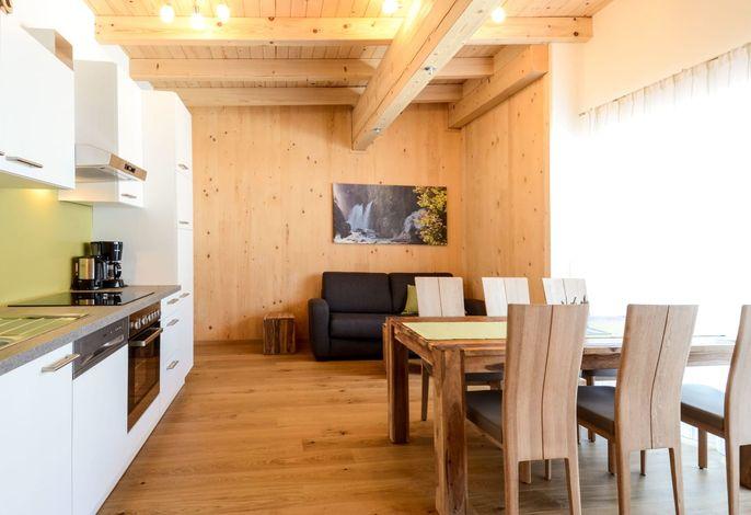 Wohn-Schlafraum mit Küchenblock