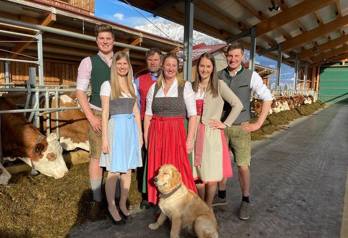 Peter & Katharina mit Peter jun. mit Lina, Sophie & Stefan und unsere Wilma