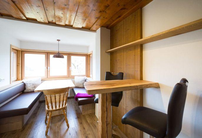Sitzecke und Zusatztisch