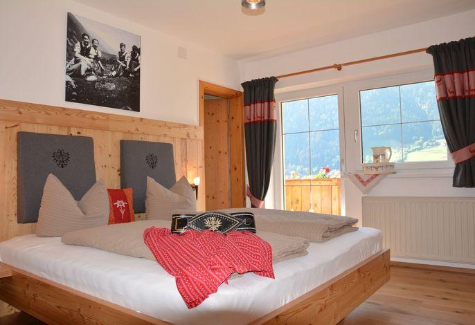 Schlafzimmer Ferienwohnung Tirol