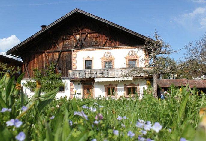 Bauernhaus mit einer großen Ferienwohnung