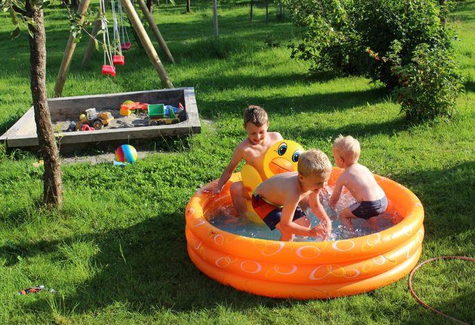 Kinderspass beim Planschbecken