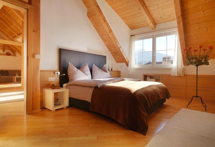 Schlafzimmer 1, Rabennest