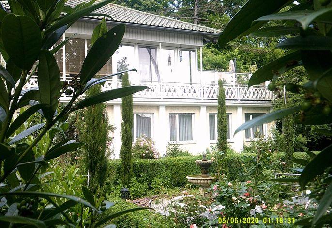 Villa Alaya