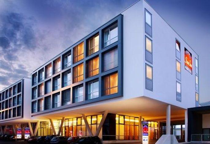 Star Inn Hotel Salzburg Airport–Messe by comfort