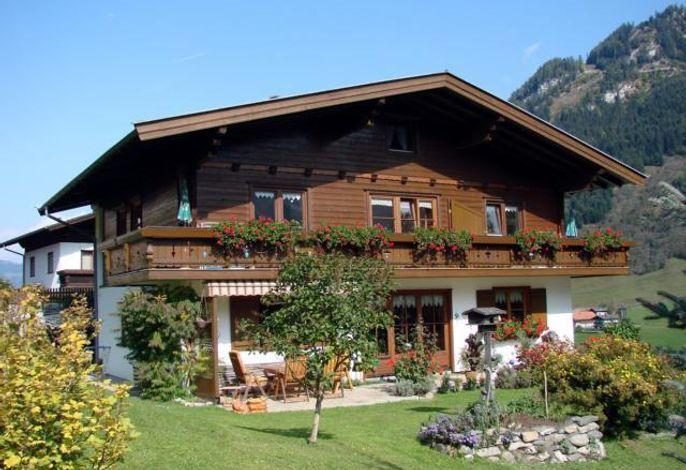 Mayr Theresia, Landhaus