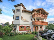 Hotel Sonnenhof - bed & breakfast & appartements Igls