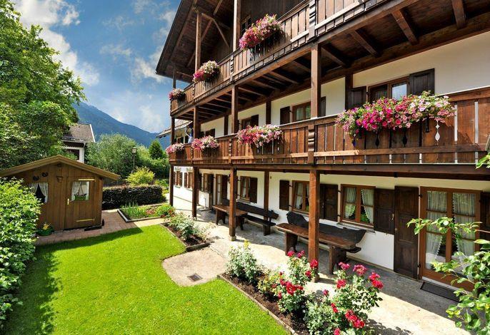 Gästehaus Enzianhof Hotel garni - Oberammergau / Ammergauer Alpen