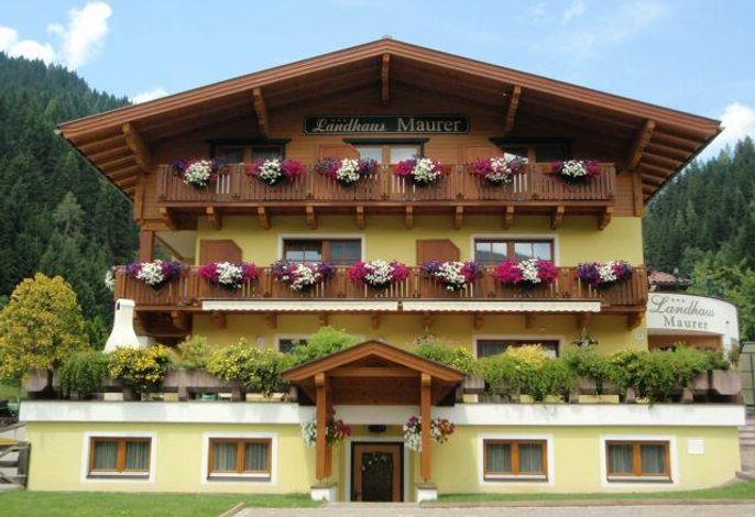 Maurer, Landhaus