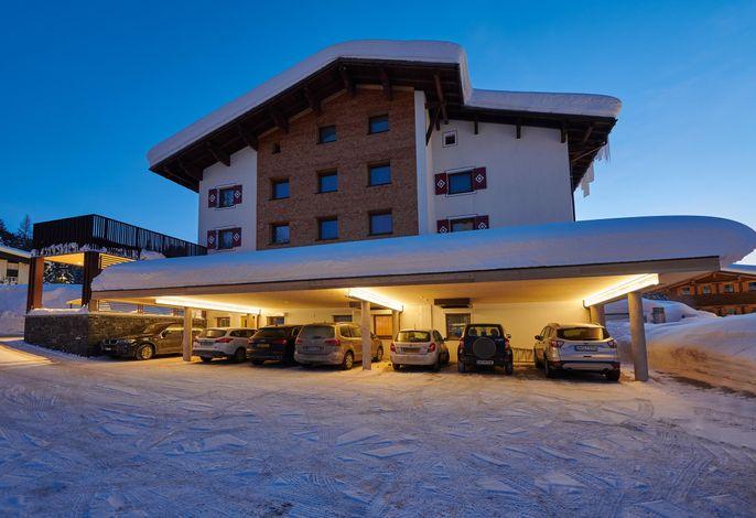 Roggal, Hotel