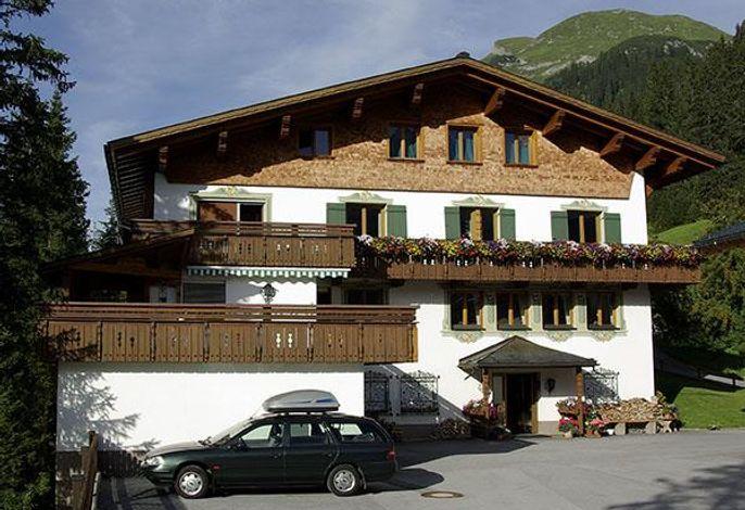 Alpenrose, Pension