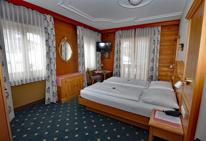 Stülzis, Hotel