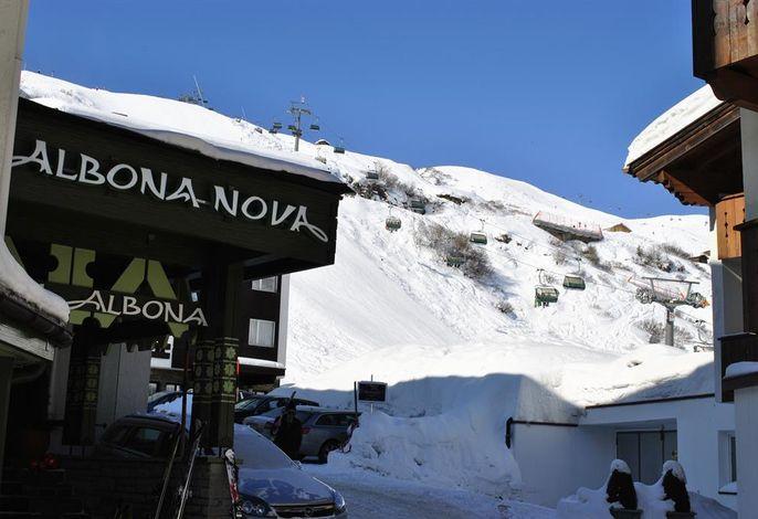 Albona Nova, Hotel