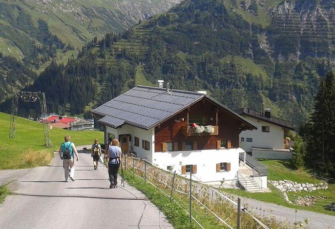 Bergmähder, Pension