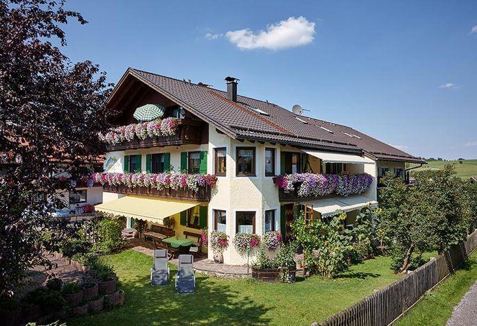 Gästehaus Alpina - Bad Kohlgrub / Ammergauer Alpen