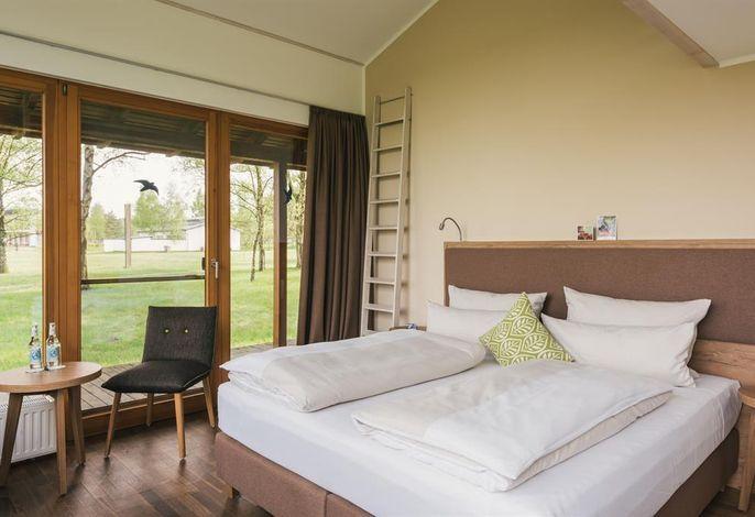 Camp Reinsehlen, Hotel