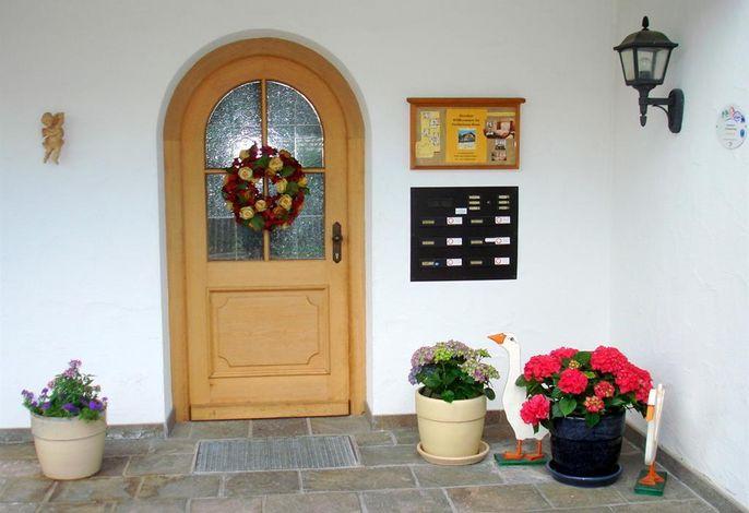 Ferienhaus Rosa (App. 2 + 5)