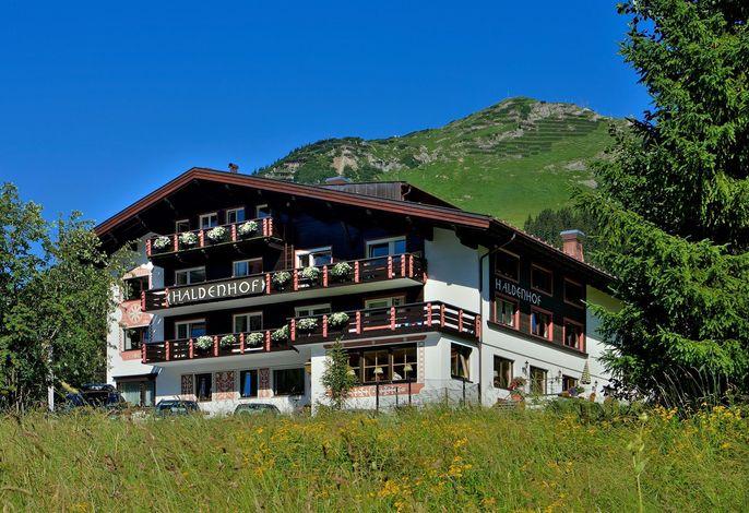 Haldenhof, Lebenslust in Lech