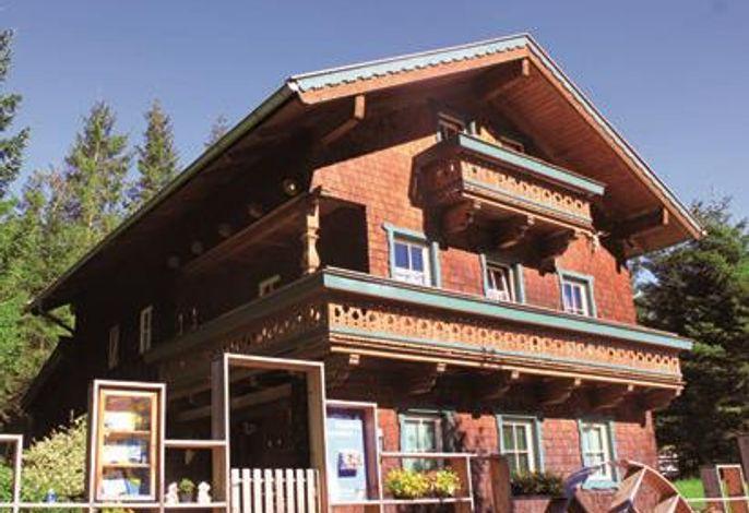 Trattenhaus