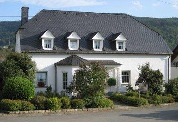 Weingut-Gästehaus Loskill