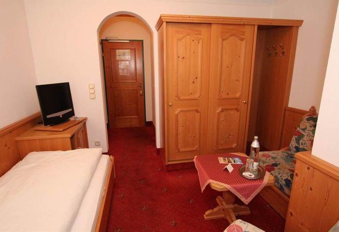 Goldener Stern, Hotel
