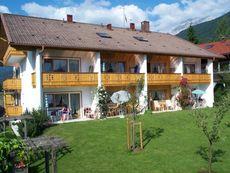 Hubertushof, Ferienappartementhaus Mittenwald