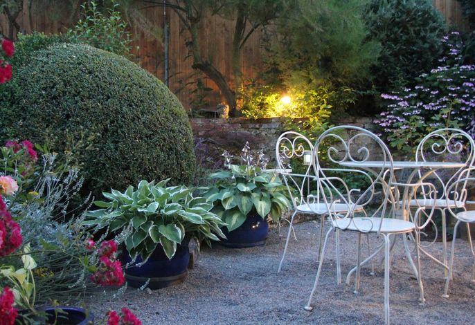 No. 31 – Bed & Breakfast im Rosengarten