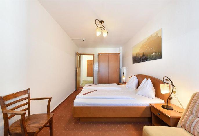 Krone 1512, Hotel