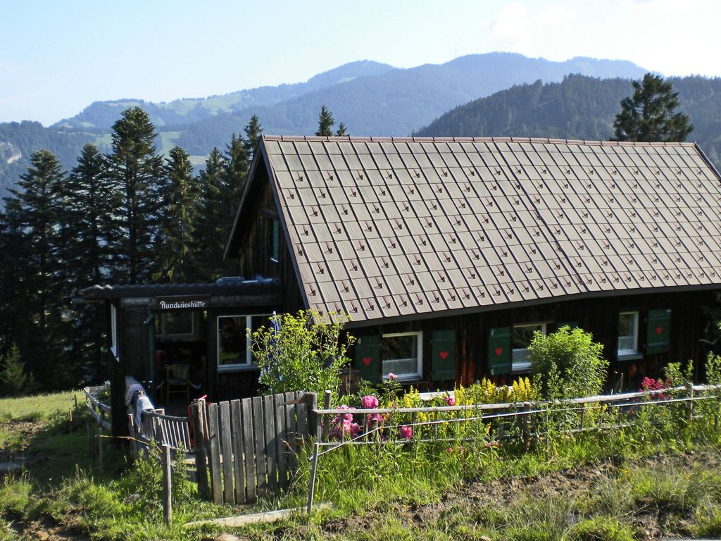 Rundwieshütte