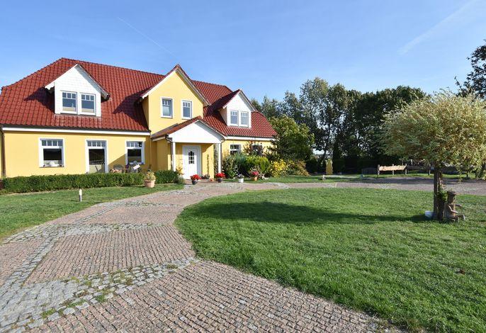 Ferienhof am Leuchtturm 1-4 - Landhaus für 14 Personen mit Meerblick
