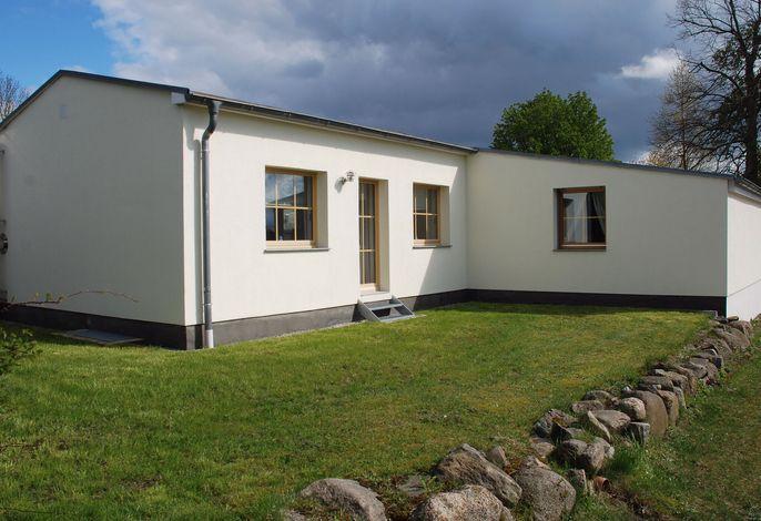 Ferienhaus Im Gutshofpark mit Sauna