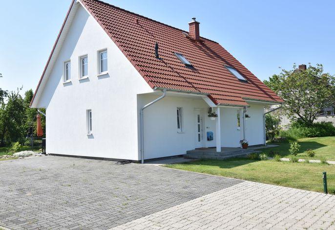 Ferienhaus nahe Insel Poel mit Kamin Terrasse und Garten