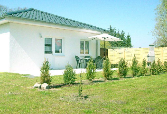 Mönkebude - Ferienwohnung mit Terrasse - Urlaub am Stettiner Haff 1/2
