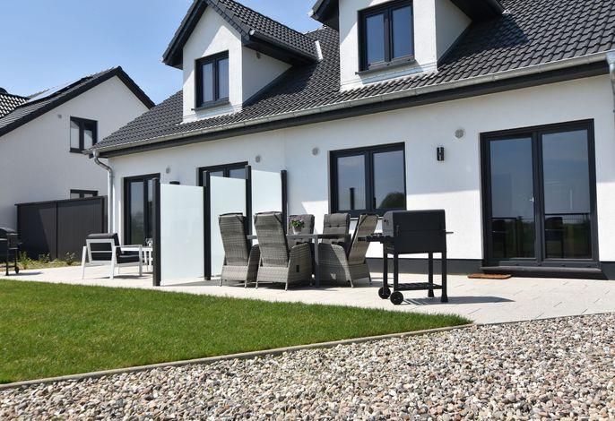 Ferienhaus Wildrose 2 in Kühlungsborn mit Terrasse und Garten