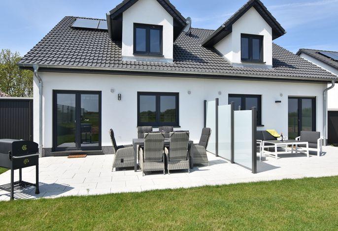 Ferienhaus Wildrose 3 und 4 in Kühlungsborn mit Terrasse und Garten