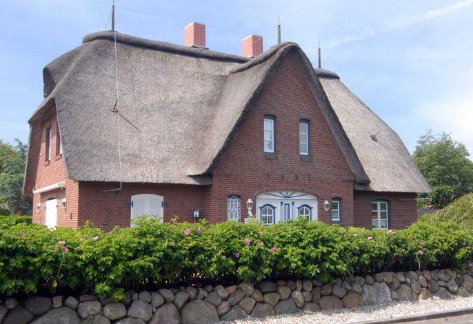 Gemütliches, reetgedecktes Haus mit 3 Schlafzimmern-Friesenstrasse Nr. 1