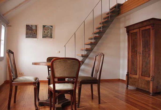 Wohnzimmer, Treppe zur Empore