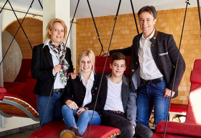 Ihre Allgäuer Gastgeber Familie Übelhör in der 7. Generation und im 250. Jubiläumsjahr!