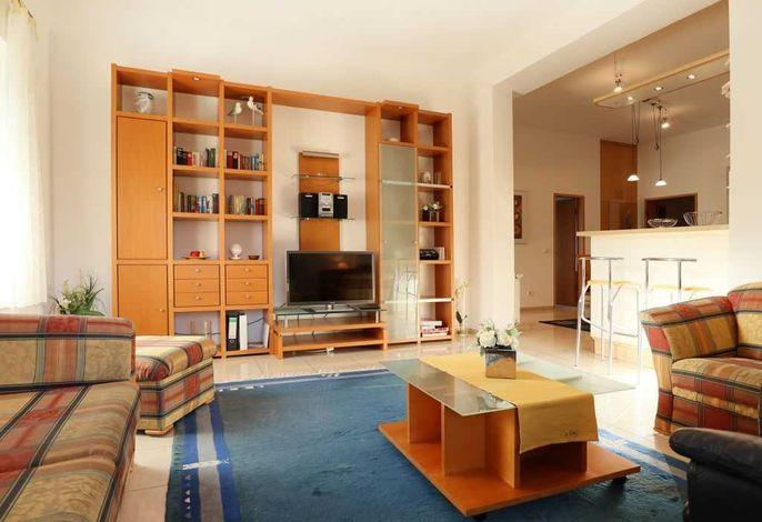 Villa Seegarten Whg. Seg01 - Blick auf den TV vom Sessel