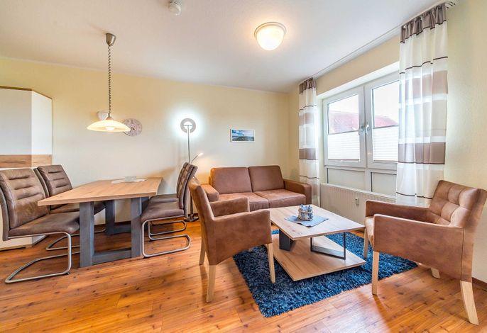 Wohn-/Essbereich mit Couch