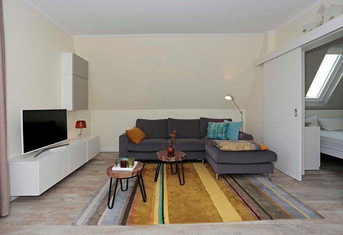 Wohn/Essbereich mit Fernseher