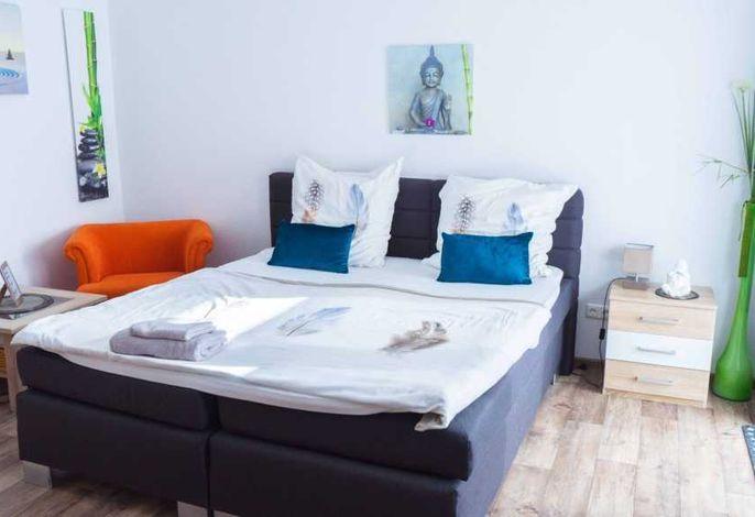 Wohn-/Schlafzimmer - Ansicht Bett