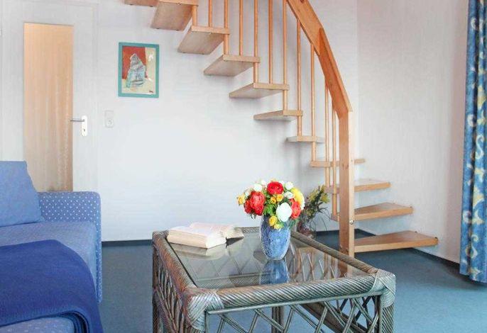 Schwarzer Bär Whg.7 - Blick vom Sessel auf die Treppe