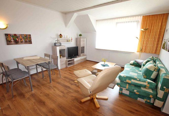 Wohnraum mit Schlafcouch - Aufbettung für zwei Personen