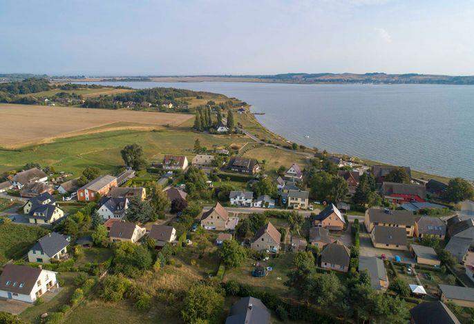 Z: Haus Inselperle mit Blick auf den Bodden