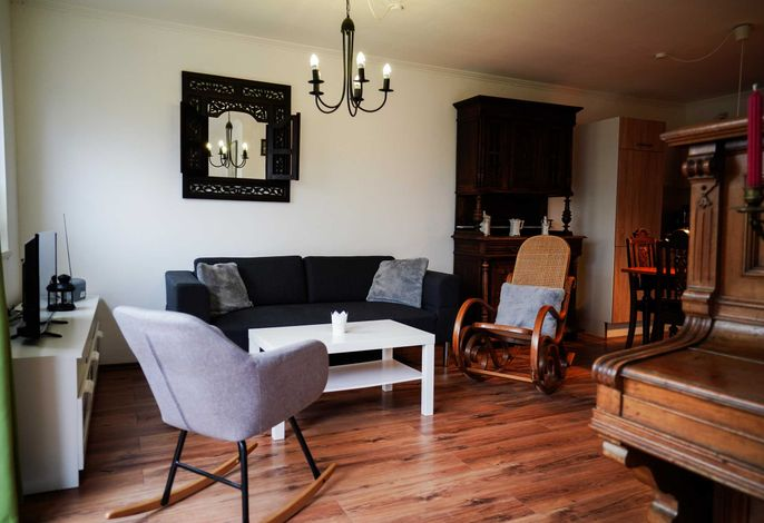 Wohnbereich mit Schaukelstuhl