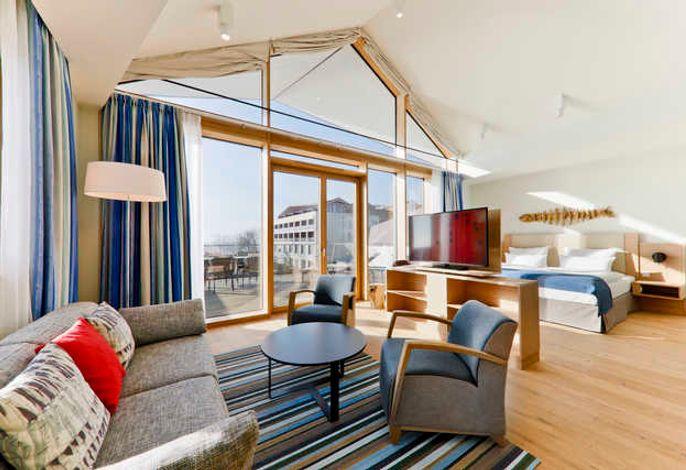Sowohl vom Schlaf- als auch vom Wohnbereich haben Sie einen einzigartigen Blick auf den Appartment eigenen Balkon.